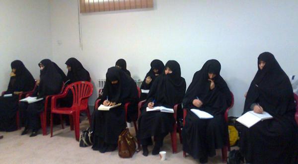 سومین جلسه دوره چهارم تربیت مبلّغه حجاب در شهرک پردیسان قم ویژه خواهران