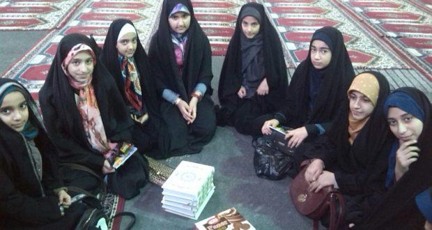 برگزاری کلاس آموزشی دختران خوش حجاب همراه با نماز جمعه