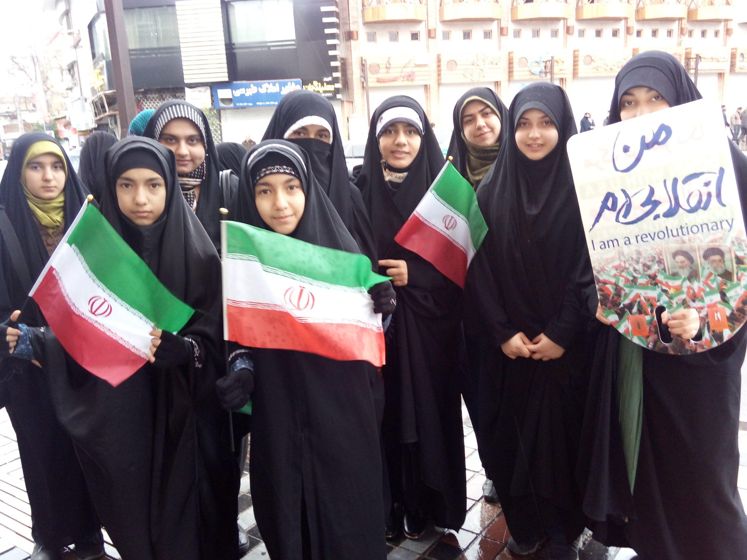 حضور دختران خوش حجاب ساروی در راهپیمایی ۲۲ بهمن