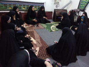 دیدار دختران ساری با خواهرشهید به مناسبت روز دانش اموز